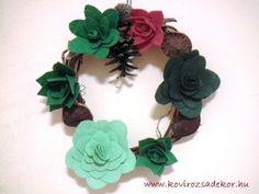felt succulent wreath Felt Succulents, Succulent Wreath, Crochet Necklace, Decor, Decoration, Decorating, Deco