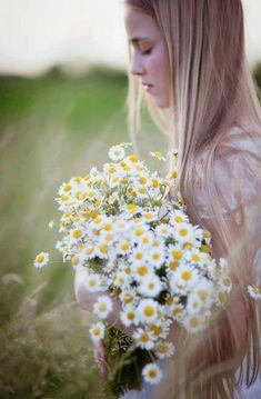 Dreamy Photography, Bokeh Photography, Love Flowers, Wild Flowers, Look Gatsby, Daisy Hill, Daisy Love, Daisy Daisy, Outdoor Portraits