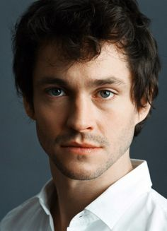 aww, adorable Hugh Dancy <3