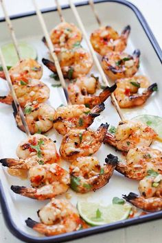 Sweet Chili Shrimp Skewers - perfectly grilled shrimp on sticks, marinated with Thai sweet chili sauce. These shrimp skewers are so easy to make and so delicious! Shish Kebab, Shrimp Skewers, Kabob Recipes, Fish Recipes, Seafood Recipes, Asian Recipes, Recipies, Dinner Recipes, Malaysia