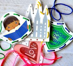 These free LDS Sewing Cards are perfect for church or primary, & are the perfect Sunday activity for kids! Get the free printables at www.TeepeeGirl.com