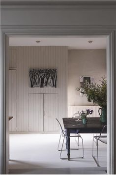 Cornforth White by Farrow & Ball is an understated grey paint colour available at Tonic Living in Toronto Farrow Ball, Farrow And Ball Paint, Modern Country Style, Country Style Homes, Country Decor, Scandi Style, Purbeck Stone, All White Room, White Walls