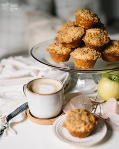 These delicious, easy apple muffins have an incredible crumb topping. Perfect recipe for Fall! Pumpkin Coffee Cakes, Pumpkin Dessert, Pumpkin Chocolate Cheesecake, Easy Apple Muffins, Bourguignon Recipe, Lasagne Recipes, Slow Cooker Apples, Spiced Pecans, Sweet Potato Casserole