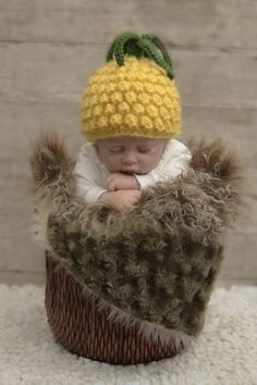 838840cb429 Crochet Pineapple Hat 0-3 months by mkbabycrochet on Etsy Pineapple Hat