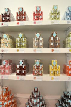 A visit to the luxury candy store, Sugarfina, inside Bellevue Square | Kelli Wong Photography