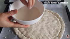Özel Soslu Gerçek Ramazan Pidesi Tarifleri   Renkli Hobi Bread Cake, Icing, Desserts, Food, Breads, Chef Recipes, Cooking, Tailgate Desserts, Bread Rolls