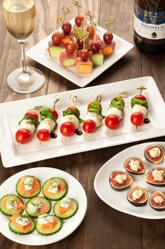 An Easy, No-Cook Appetizer Party: Perfect for a relaxed get-together of family and friends these four no-cook appetizer recipes are full of flavor, look beautiful and best of all are a snap to prepare. Baked Appetizer Recipes, No Cook Appetizers, Finger Food Appetizers, Holiday Appetizers, Healthy Appetizers, Appetizer Party, Cold Party Appetizers, Individual Appetizers, Italian Appetizers Easy