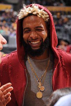 Smile fa me ! Beckham Football, Beckham Jr, Beautiful Men Faces, Beautiful Boys, Odell Beckam Jr, Black Football Players, Dyed Hair Men, Kanye West Style, Cleveland Browns Football