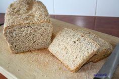 Zelfgebakken speltbrood Met enige regelmaat bak ik dit brood. Het is een heerlijk eenvoudig en puur brood, smaakvol en gemaakt van 1...