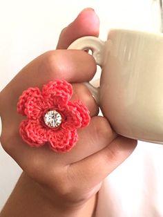 Un preferito personale dal mio negozio Etsy https://www.etsy.com/it/listing/252533491/ring-crochet-ring-coral-flower-crocheted