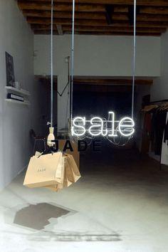 (1) New Message! Fashion Window Display, Window Display Retail, Window Display Design, Retail Windows, Store Windows, Vitrine Design, Visual Merchandising Displays, Retail Store Design, Retail Stores