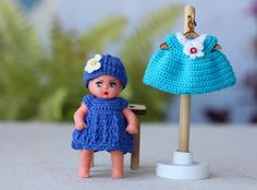 2 inch mini doll dress. Crochet dollhouse baby doll dress. Crochet  miniature dress. Dress for newborn doll. Tiny dress to doll by Creativhook on Etsy