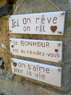 Joy And Happiness, Wooden Hearts, Home Signs, Image House, Diy Hacks, Beautiful Roses, Etiquette, Wooden Signs, Palette