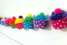 Ponpons laine cup cake