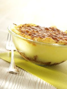 Een overheerlijke ovenschotel met aardappelen en gehakt, die maak je met dit recept. Smakelijk!