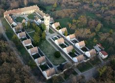 11+1 gyógyító energiájú hely Magyarországon | Zacc Palace, Mansions, House Styles, Plants, Home Decor, Health, Decoration Home, Manor Houses, Room Decor