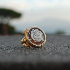 I'll give you a rose cameo ring for make you smile in a raining day...🌹 #cameojewelry #donadiojewelry #ring #rose
