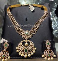 Jewellery Designs: Chandbali Pattern Diamond Necklace