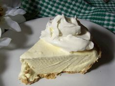 Easy Southern Lemon Icebox Pie I was born and raised in Louisiana. As a result, cooking good southern comfort food is second nature to me. This is an easy southern Lemon Icebox Pie recipe that Ive loved since I was a little girl. You wont be disappointed. Lemon Desserts, Lemon Recipes, Köstliche Desserts, Delicious Desserts, Dessert Recipes, Yummy Food, Easy Pie Recipes, Yummy Treats, Sweet Treats