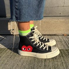 - School Look Dr Shoes, Swag Shoes, Hype Shoes, Me Too Shoes, Sneakers Mode, Sneakers Fashion, Fashion Shoes, Converse Fashion, Converse Style