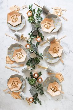 Wedding Table Setting DIY Centerpiece Designed with a versatile modern motif, mix and match any decor with our gold triangles party plates for a perfectly imperfect boho style!