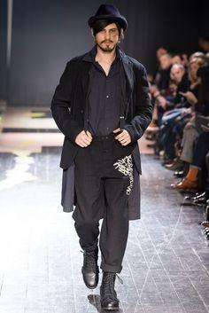 Yohji Yamamoto Fall 2015 Menswear Collection Photos - Vogue