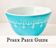 Find the help you need to identify and value your vintage Pyrex--one of today's most widely collected vintage and antiques. Antique Glassware, Vintage Kitchenware, Vintage Dishes, Vintage Tins, Vintage Bowls, Vintage Decor, Fostoria Glassware, Antique Dishes, Vintage Dinnerware