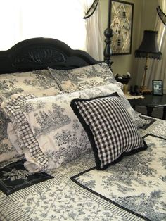 Kindred Style: French Country Bedroom Make it a little less girly French Country Bedrooms, French Country Cottage, French Country Style, French Country Bedding, White Cottage, French Decor, French Country Decorating, Toile Bedding, Suites