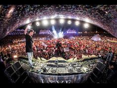 Martin Garrix - Live @ Tomorrowland 2017 - VER VÍDEO -> http://quehubocolombia.com/martin-garrix-live-tomorrowland-2017    My new single 'There For You' with Troye Sivan out now! Spotify:  Martin Garrix closing the mainstage of Tomorrowland Sunday the 30th of July 2017! iTunes:  Follow Martin Garrix: Facebook: Twitter: Instagram: YouTube:  Créditos de vídeo a Popular on YouTube – Colombia...