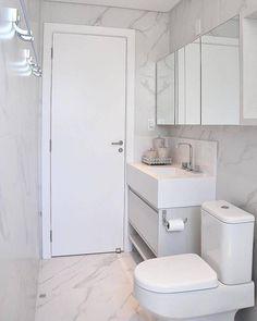 """MEU PRIMEIRO AP / Flávio Pio no Instagram: """"Banheiro Compacto, todo Clean. Destaque para Cuba Escupida em porcelanato. ⠀⠀⠀⠀⠀⠀⠀⠀⠀⠀ Via: Decor Fácil. ⠀⠀⠀⠀⠀⠀⠀⠀⠀⠀ ⠀⠀⠀⠀⠀⠀⠀⠀⠀⠀ 🚨MARQUE OS…"""""""
