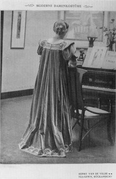 Henry van de Velde. Teagown,  1900.