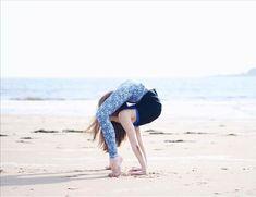Amazing Gymnastics, Gymnastics Videos, Sport Gymnastics, Olympic Gymnastics, Olympic Games, Flexibility Dance, Gymnastics Flexibility, Acrobatic Gymnastics, Dance Picture Poses