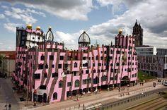 "Жилой комплекс «Зелёная Цитадель» (""Die Grüne Zitadelle"", Magdeburg, Германия), 1998-2005. Friedensreich Hundertwasser. Фриденсрайх Хундертвассер"