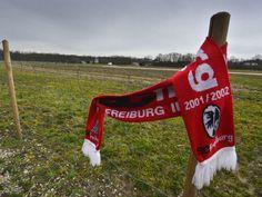 Grundsatzentscheidung: Gemeinderat Freiburg stimmt für neues SC-Stadion am Wolfswinkel - Mit 33 zu 10 Stimmen hat sich der Freiburger Gemeinderat für ein neues SC-Stadion im Wolfswinkel auf dem Flugplatz ausgesprochen. Ob der Beschluss bestehen bleibt, zeigt sich indes erst Anfang 2015.