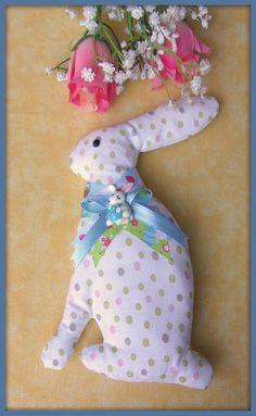 Lapin de Pâques en tissu avec noeuds N°1 : Jeux, peluches, doudous par orkan28