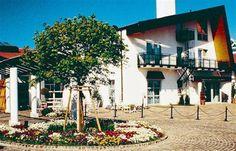La casa de la selección  el frente del HerzogsPark transmite la serenidad en la que vivirá la selección Home, The Selection, Serenity, Germany
