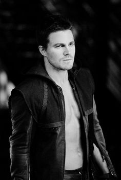 Oliver Queen as The Arrow **** sexy arrow*** Oliver Queen Arrow, Murder Mystery Games, Murder Mysteries, Superhero Series, Stephen Amell Arrow, Arrow Cast, Oliver And Felicity, Team Arrow, Supergirl And Flash