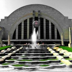 The Cincinnati Union Terminal was built in 1933 to serve 7 railroads. After the decline of train travel, it was rebuilt in 1980 and now houses the Cincinnati History Museum, the   Museum of Natural History & Science,   the Robert D. Lindner Family Omnimax Theater, the Cincinnati Historical Society Library, the Duke Energy Children's Museum, and the Cincinnati Railroad Club. It also allowed Amtrak to restore service to Union Terminal via the thrice-weekly Cardinal on 07/29/1991.