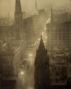 Alvin Langdon Coburn, Fifth Avenue from the St. Regis, ca. 1905.