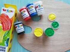 Artiştii se cunosc încă din copilărie. Dacă şi copiii voştri iubesc să coloreze, noi vă punem la dispoziție o gamă largă de produse, printre care pensule, carioci şi creioane colorate.