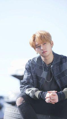 [Stray Kids] debut album Jacket shooting behind! Lee Minho Stray Kids, Lee Know Stray Kids, Lee Min Ho, Wattpad, Fanfiction, Rapper, K Wallpaper, Fandom, Kpop