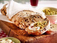 Unser beliebtes Rezept für Rustikales Oliven-Ciabatta und mehr als 55.000 weitere kostenlose Rezepte auf LECKER.de. Party Buffet, Fondue, Hummus, Cravings, Low Carb, Bread, Ethnic Recipes, Dressing, Wine