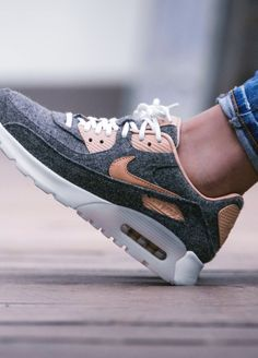 The Nike WMNS Air Max 90 in our huge online shop Air Max 90, Nike Air Max, Men's Fashion, Fashion Addict, High Fashion, Nike Wmns, Roshe Shoes, Skate Wear, Casual Outfits