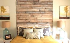 Parete in legno per camera da letto