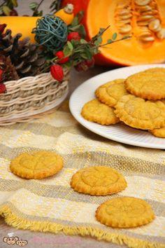 Dýňové sušenky (od 9 měsíců) | Máma v kuchyni Food And Drink, Lose Weight, Sweets, Cookies, Desserts, Recipes, Halloween, Straws, Hokkaido