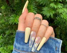 Acrylic Nails Coffin Short, Bling Acrylic Nails, Best Acrylic Nails, Pastel Nails, Acrylic Nails For Spring, Cute Spring Nails, Long Gel Nails, Gold Nails, Stiletto Nails