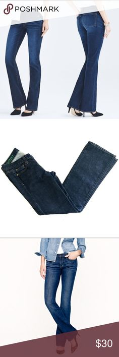 """BOGO🛍j.crew bootcut jean The classic bootcut silhouette in a classic rinse. This pair has just a hint of stretch so it's terrific fit won't bag out by the end of your day. 98/2 cotton spandex blend, 5 pocket styling, machine wash cold. Inseam measures 29.5"""". No flaws to note, in gently worn  condition. Labeled as a 27s J. Crew Jeans Boot Cut"""