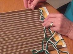 Learning the Soumac stitch, using 2 pieces of contrasting yarn arms long) - Amazing Interior Design Weaving Textiles, Tapestry Weaving, Loom Weaving, Finger Weaving, Weaving Wall Hanging, Peg Loom, Weaving Projects, Yarn Bombing, Weaving Techniques