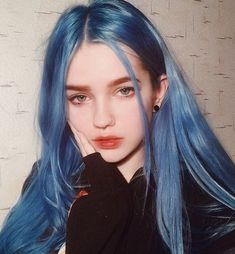 Styling tips blue Hair Hair inspiration dyed Hair wavy Hair Hair tutorial Dye My Hair, New Hair, Blue Hair Aesthetic, Aesthetic Grunge, Pelo Color Azul, Blue Wig, Dyed Hair Blue, Best Blue Hair Dye, Dark Hair With Highlights