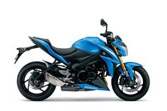 2015 Suzuki GSX S1000 (AKA How to sell leftover GSX Rs) - could be a pretty trick roadster and a prime candidate for some nice custom work!